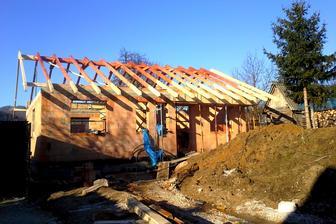 PREDNÝ: December 2014. Počasie  nám praje: neprší, nesneží, nemrzne... - stavba rastie