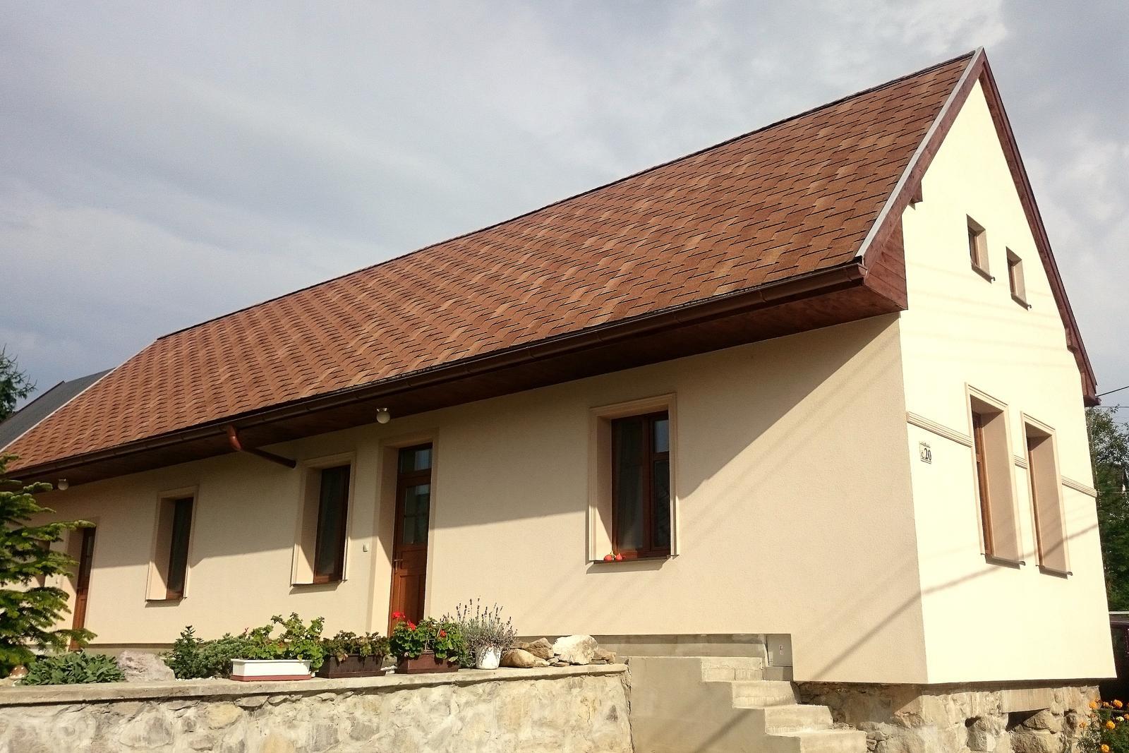 Rekonštrukcia domčeka z roku 1937 - ... a september 2014. Nájdete 10 rozdielov...?