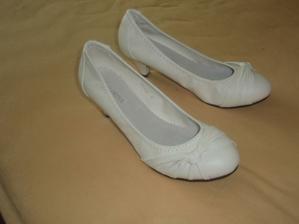 ...koupené botičky:)...