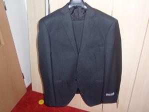 ...konečně koupen nový oblek pro ženicha..