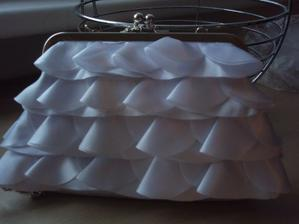 ..moje úžasná kabelka-koupena velkou náhodou:)...