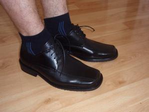 ...dnes koupeny boty pro ženicha...