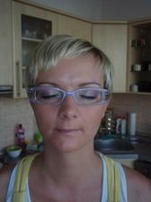 ...s brýlema...co říkáte???