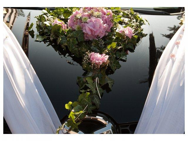 Na nevěsty auto