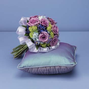 Moja fialova svadba - Alebo túto, len by to bola z umelých kvietočkov - pre malé flower girls