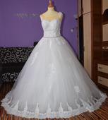 Svadobné čipkované šaty, 37