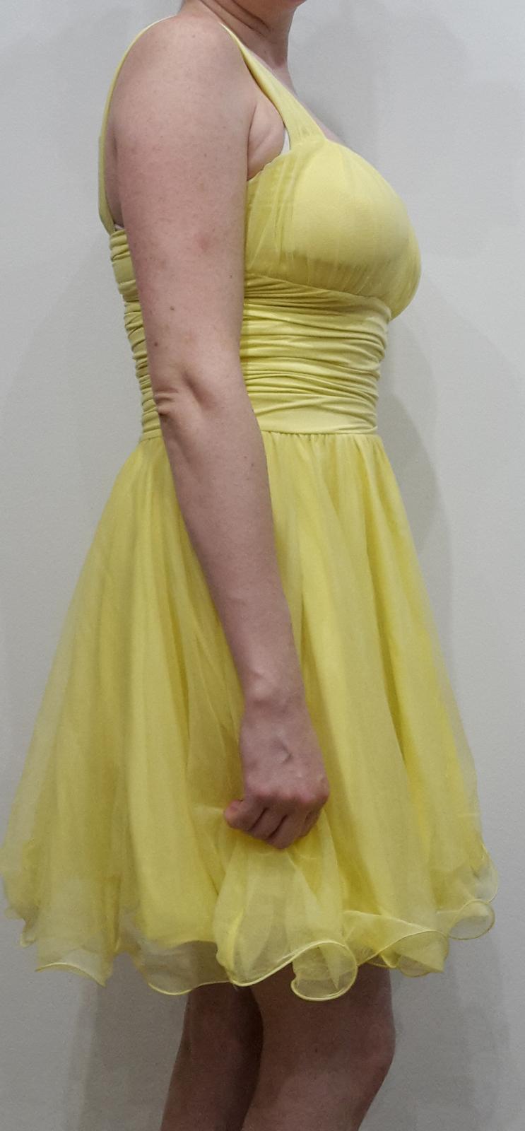 Krátke spoločenské šaty s ramienkami, žlté - Obrázok č. 3