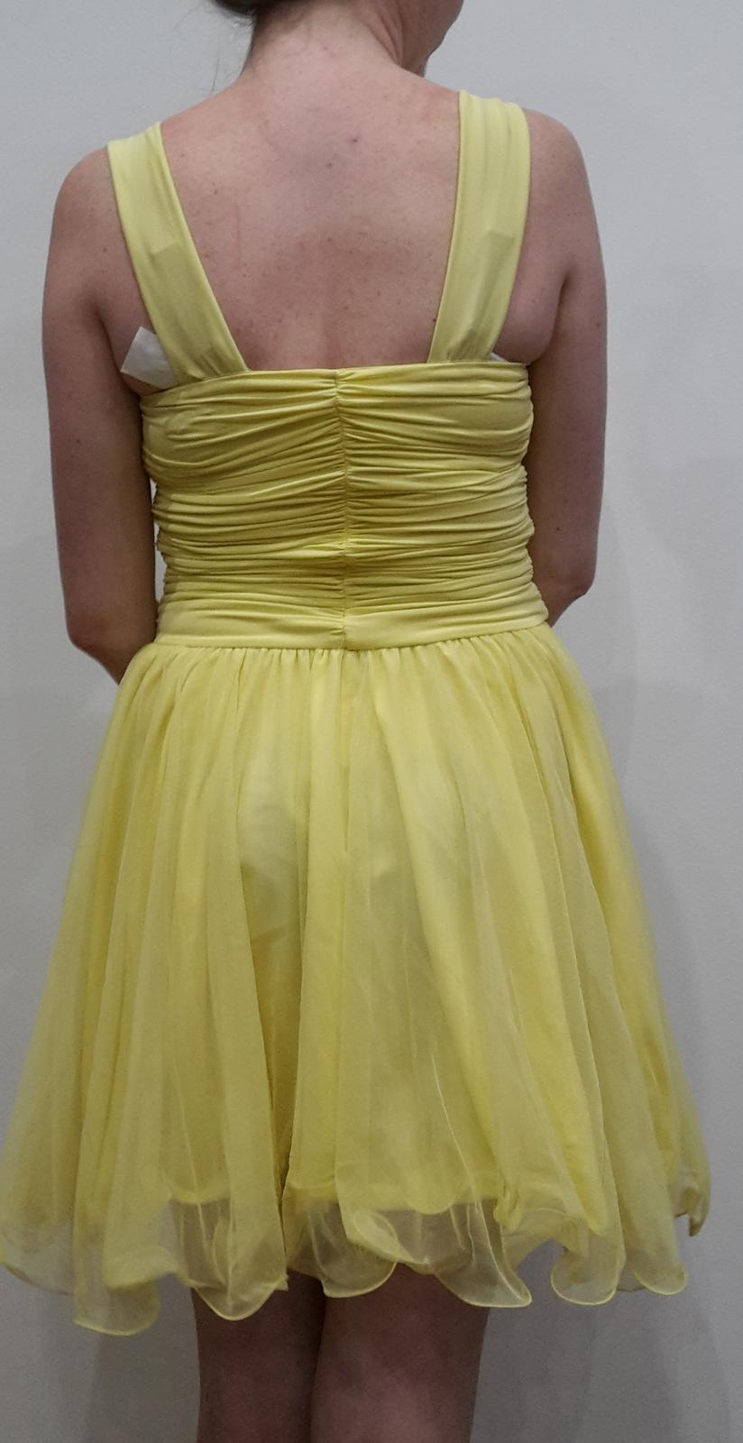 Krátke spoločenské šaty s ramienkami, žlté - Obrázok č. 4