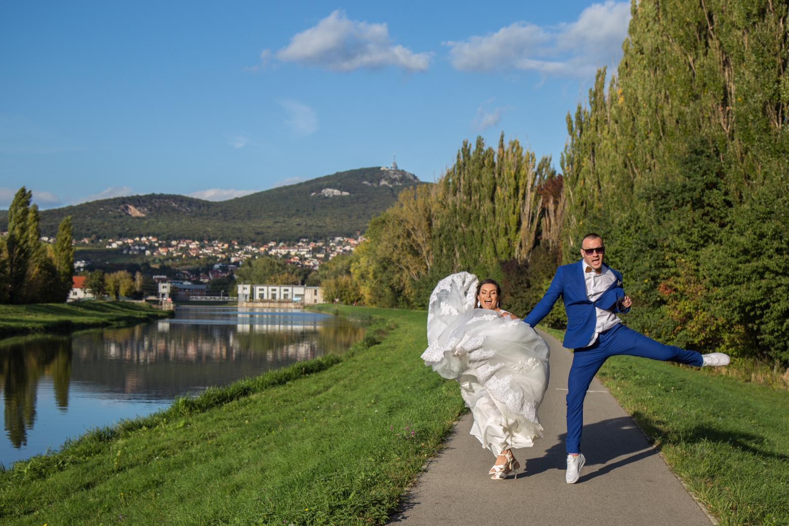 Naša svadobná bláznivá foto... - Obrázok č. 1