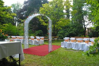 takto si predstavujeme náš svadobný obrad, namiesto slavobrány bude asi altánok