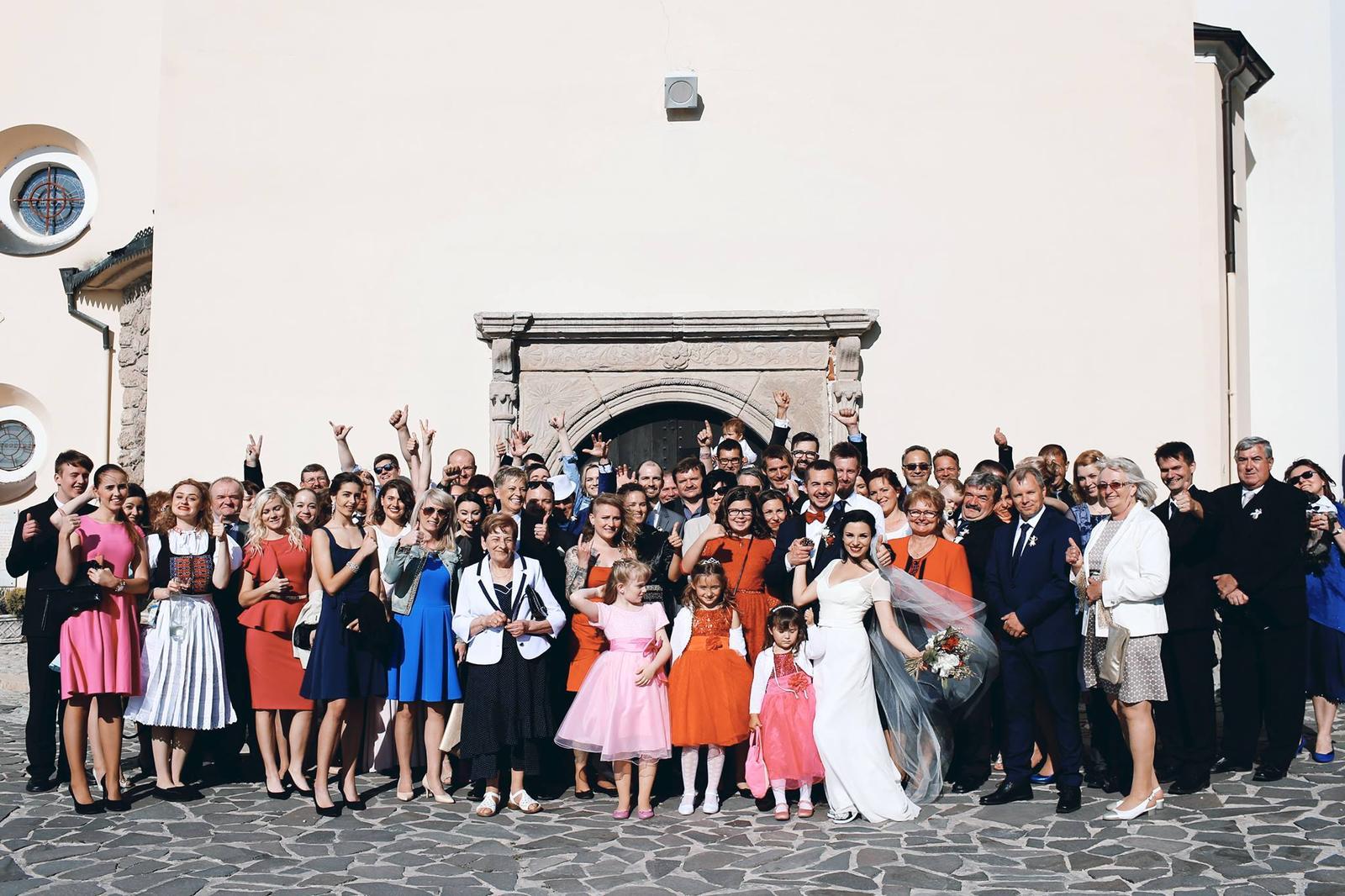 Nepodceňujte čaro skupinových fotografii <3 we are FAMILY! (photo by Iv Santa Photographie) - Obrázok č. 1