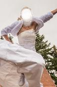 Neokoukané lehce zdobené svatební šaty, 38