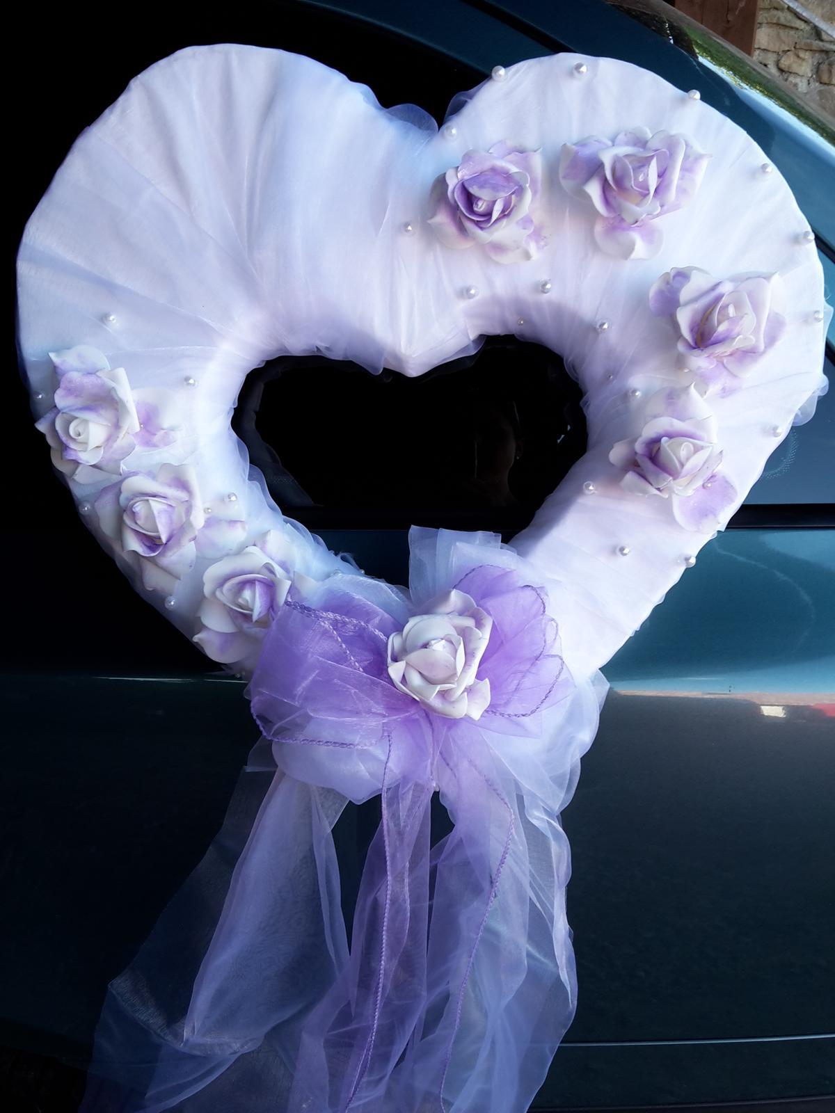 Dekorace na auto lila srdce - Obrázek č. 1