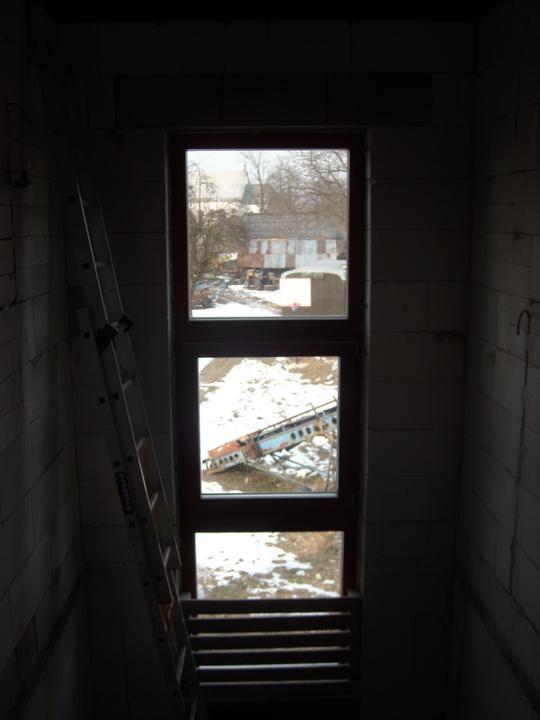 Skutecnosti :-) - okno nad schody