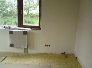 podlaha v pracovne, na ni prijde bud koberec nebo PVC, uvidime
