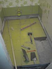 podlaha kriva jak pupek, sezralo to vic lepidla, nez cele obklady :-)