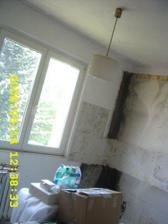 plíseň vedle bývalé kuchyňské linky