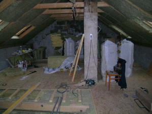 takto vypadala hlavní místnost při přestavbě