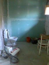 a na druhé straně, před WC, jak je lux, bude ještě sprchový kout
