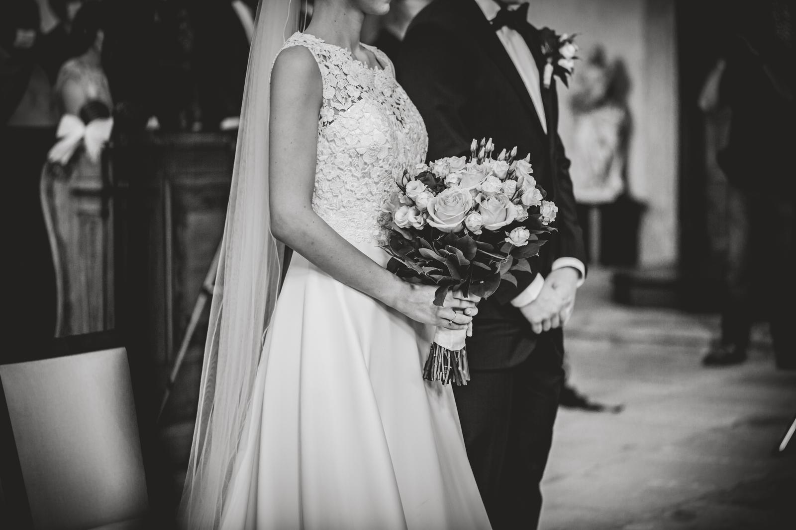 Romantické svatební šaty - Obrázek č. 1