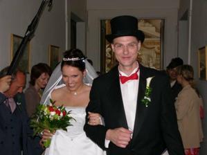 První novomanželské společné kroky.