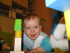 Tak tohle je náš zázrak :O) - už je mu 10 měsíců a maminu úspěšně prohání :o)