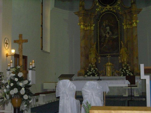 Bejka Poliaková{{_AND_}}Radko Zemančík - takto bol vyzdobený kostol
