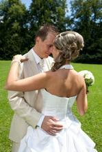 A nejspíš nakonec zvítězí tento účes... 2 týdny do svatby a stále nejsem rozhodnutá :-D