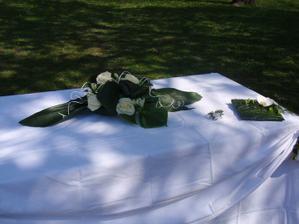 obřadní stůl