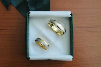 Naše prstýnky - kombinace bílého a žlutého zlata