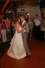 první tanec novomanželů...