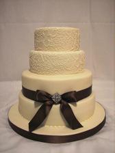 žeby táto svadobná ? :) jednoduchá a krásna :)