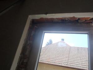 bruál, až som plakala ako to vyzeralo keď nám vymenili okná :-/