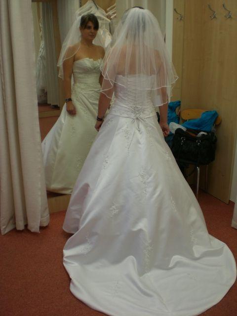 Zkoušení šatů - Obrázek č. 2