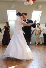 První novomanželský tanec :-)