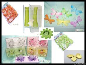 dekorace-motýlci,vázičky,svíčky, kytičky,penízky