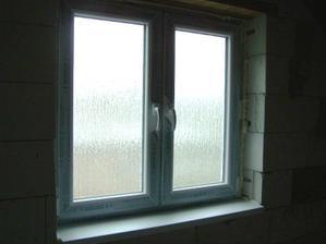 kupelnove okno - dubova kora nepriehladne
