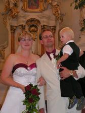 S naším synem, už jsme manželé