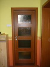nové dvere..