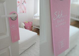 Visacka na dverach do detskej izby :)