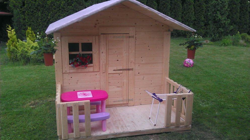 Poradte prosím. Chceme malýmu stavět zahradní dětský domeček, a nevíme kam ho umístit, dali by jste ho blíž k terase, nebo spíš dál do zahrady. malýmu budou 2 roky, ale v domečku si může hrát i jak bude starší. děkuji za rady - Obrázek č. 2