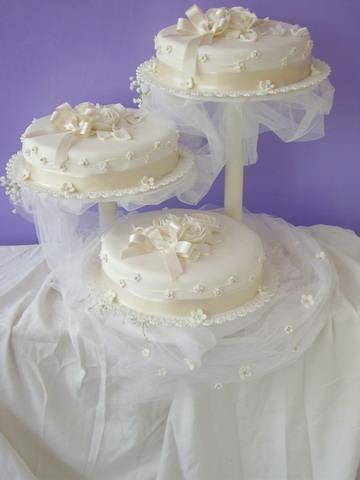 K & M - idealna torta na rozkrajanie pre hosti