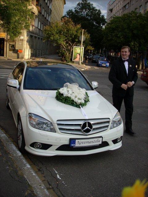 Vyzdoby svadobných  áut - svadobne srdce na aute