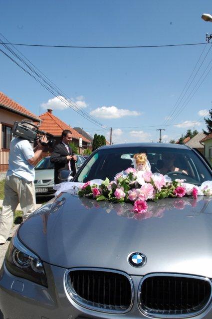 Evina{{_AND_}}Peťo - naše svadobné autíčko :)