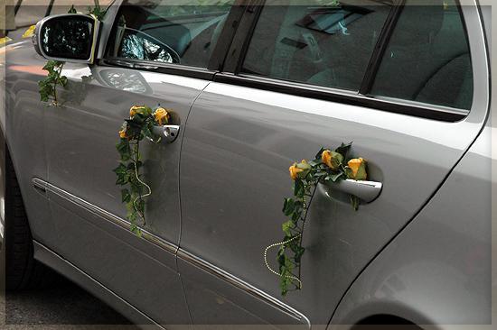 Vyzdoby svadobných  áut - z boku