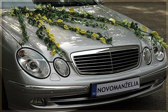 Vyzdoby svadobných  áut - to je pekne
