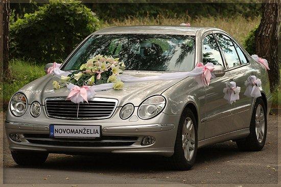 Vyzdoby svadobných  áut - to je ale krásne