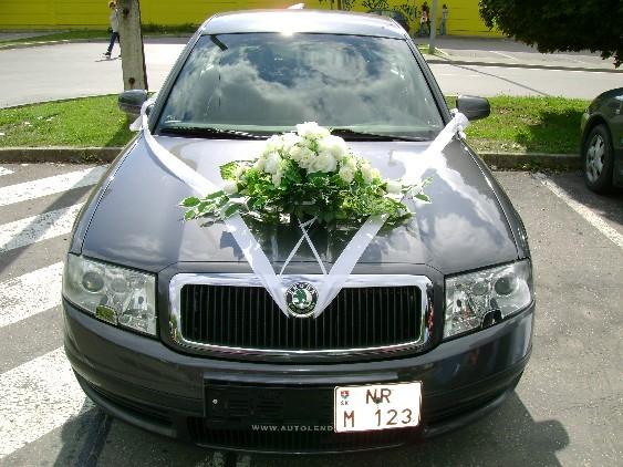 Vyzdoby svadobných  áut - Obrázok č. 100