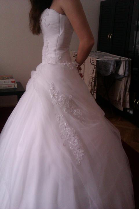 Skúška šatičiek - Rozhodnute, kupene :)) moje svadobne saticky.