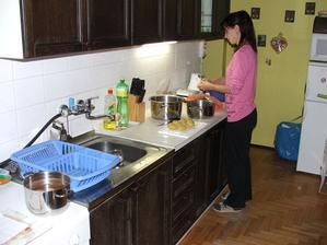 Toto je jediná fotka kuchyně před renovací co mám.
